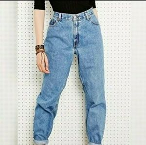 Vintage Levis 550 Relaxed fit light wash jeans